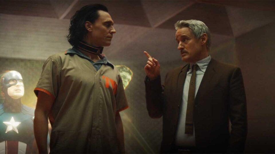 Loki: Tom Hiddelston e Owen Wilson in una scena della serie